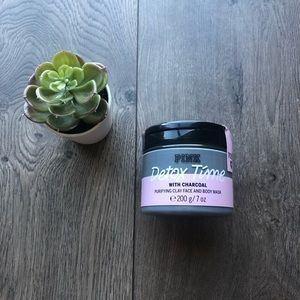 🧖♀️NWT🧖♀️ Pink clay face and body mask